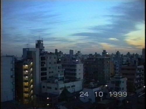 Dämmerung - 1. Morgen in Tokyo, Oktober 1999