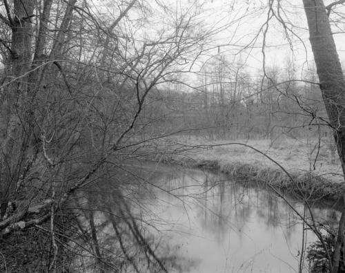 Bille, winterlich. Bei Aumühle. Aufnahme 4x5 Großformat schwarzweiß.