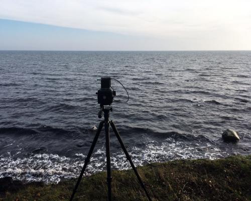 Kamera an der Steilküste bei Skjoltrup.