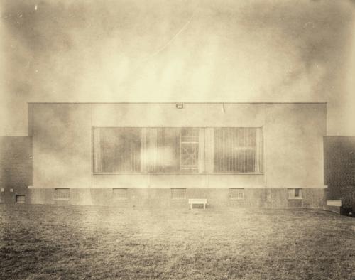 Fassade einer Industriehalle in Bahrenfeld. Nachbearbeitet mit Snapseed.