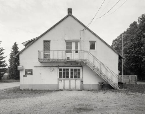 Haus an der Trabrennbahn Bahrenfeld. Aufnahme auf Retropan320 4×5.