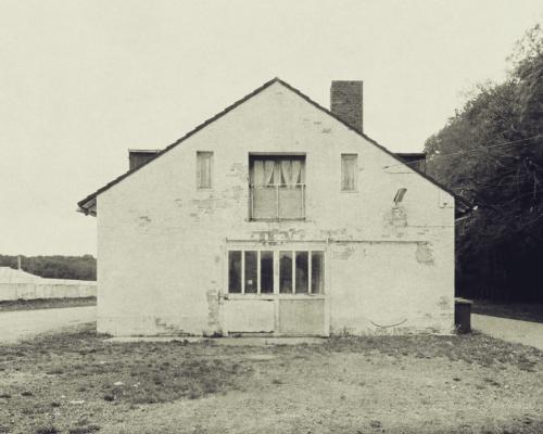 Haus an der Trabrennbahn Bahrenfeld. Aufnahme bearbeitet mit Snapseed.