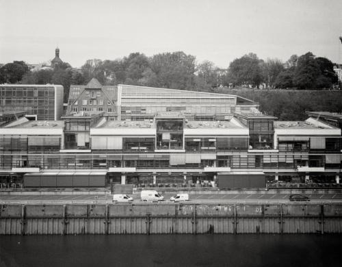 Fischereihafen Altona, vom Dockland aus gesehen. Aufnahme im analogen Großformat 4x5