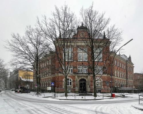 Rudolf-Steiner Schule im Schnee, Bleicken Allee, in Hamburg Altona, im