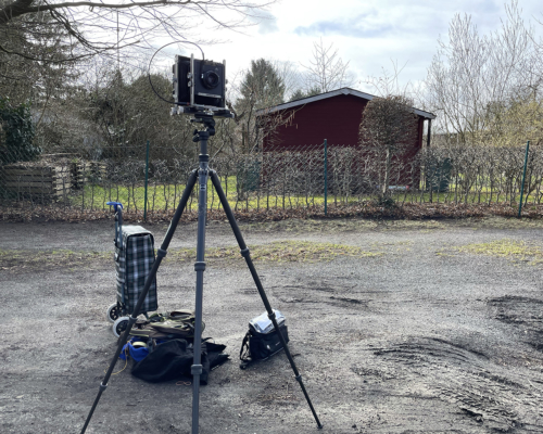 4x5 Kamera aufgestellt am Hogenfeldweg in Hamburg Bahrenfeld