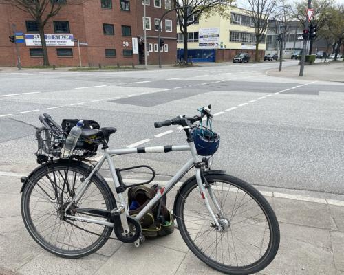 Mit Rad und Fotoausrüstung in Bahrenfeld unterwegs