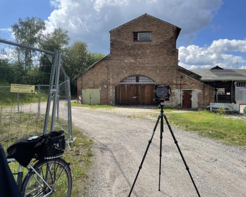 Kamera vor der Alten Ziegelei in Praunheim aufgebaut.