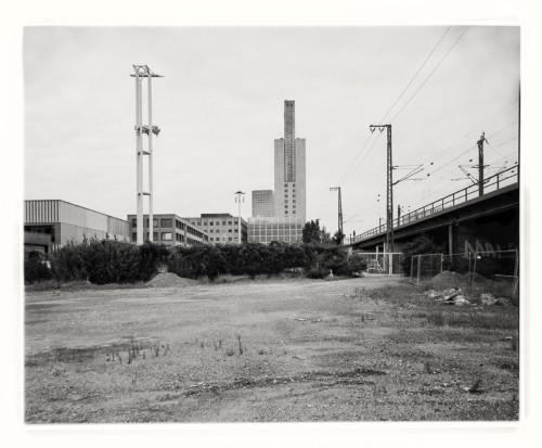 Brache an der Europa-Allee, Baufeld 42a, Frankfurt Gallus. Aufnahme im Format 4x5 auf Adox 100.